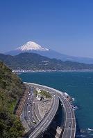 静岡県 富士山と東名高速道路