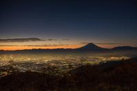 甘利山から富士山の夜景
