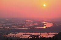 山形県 眺海の森より最上川と夕日
