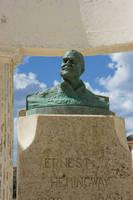 キューバ ヘミングウェイの胸像