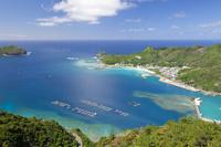 東京都 小笠原父島の旭山展望台より眺める二見港