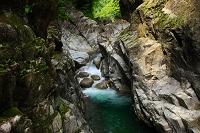 喉の滝 達原渓谷