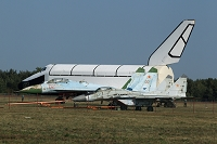 戦闘機とソ連製宇宙船ブラン MAKS(航空ショー)