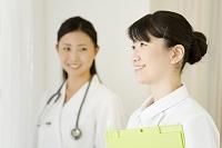 日本人の女性看護師