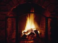 薪が燃える暖炉