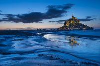 フランス 夜のモンサンミッシェル