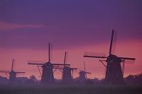 オランダ キンデルダイクの風車