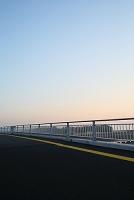 朝の空と橋