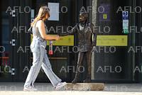 グレタさんの等身大銅像 英大学に登場