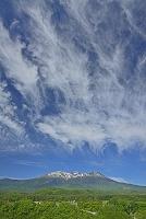 長野県 御嶽山と雲