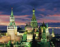 モスクワ 聖ワシリー聖堂とクレムリン