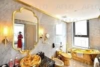ベトナムに金メッキホテルがオープン