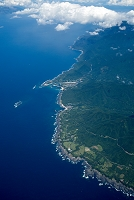 屋久島(世界自然遺産 屋久島国立公園)黒崎より栗生方面の海岸線
