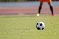 サッカーボールとキーパー