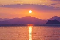 山口県 仙崎湾の日の出