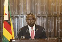 訃報:ジンバブエ シブシソ・モヨ外相