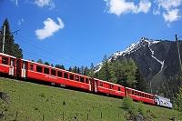 スイス グラウビュンデン州 レーティッシュ鉄道アルブラ線と周...