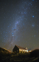 ニュージーランド 善き羊飼いの教会にかかる天の川