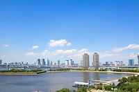 東京都 お台場から見た高層マンション