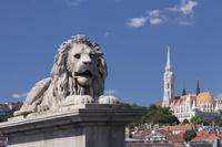 ハンガリー ライオン像