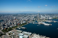 神奈川県 横浜港と山下公園 山下埠頭周辺より横浜市街地 富士...