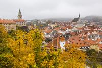 チェスキー・クルムロフ城と紅葉