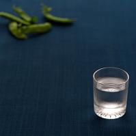 グラスに入れた冷酒