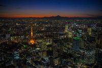 富士山と東京タワー夜景