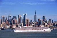 ニューヨーク ハドソン川とマンハッタン・ミッドタウン