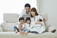 赤ちゃんを迎えた日本人家族