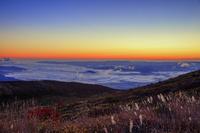 福島県 福島盆地の雲海と黎明