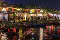 ベトナム ホイアン トゥボン川と町並み/夜景