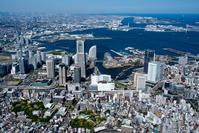 みなとみらい地区と桜木町駅より横浜港