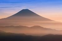 静岡県 富士山と朝焼け