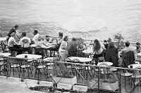 フランス パリ ノートルダム寺院近くの水上カフェ