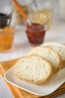 フランスパンとジャム