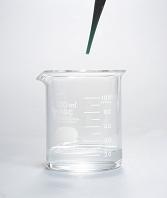 うすい塩酸にBTB溶液を加える A/1
