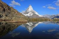 スイス ツェルマット リッフェルゼー湖畔より
