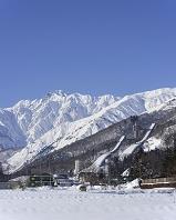 長野県 ジャンプ競技場と五竜岳