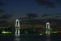 東京 夕暮れ 豊洲からレイボーブリッジ