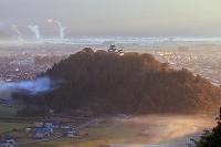 福井県 朝日に染まる朝霧の越前大野城