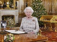 エリザベス英女王がクリスマスメッセージ 国民に結束を呼掛け