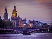 イギリス ロンドン テムズ川よりビッグベン