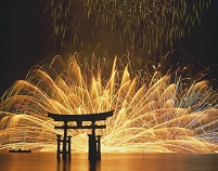日本 宮島の水中花火