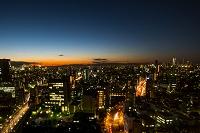 東京都 文京シビックセンター展望台から見る新宿と池袋の日没