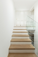モダンな住宅の階段