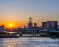 東京都 お台場パレットタウンと夕日