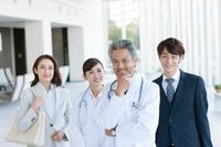 医師とビジネスマン