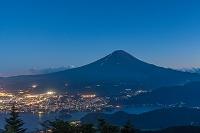 夏の富士山の夜景