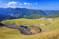 奈良県 曽爾高原 ススキ原とお亀池